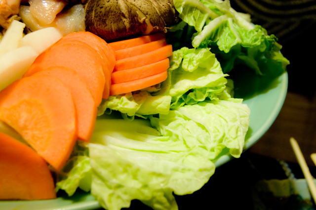 冬の野菜、人参、ほうれん草、菊菜など