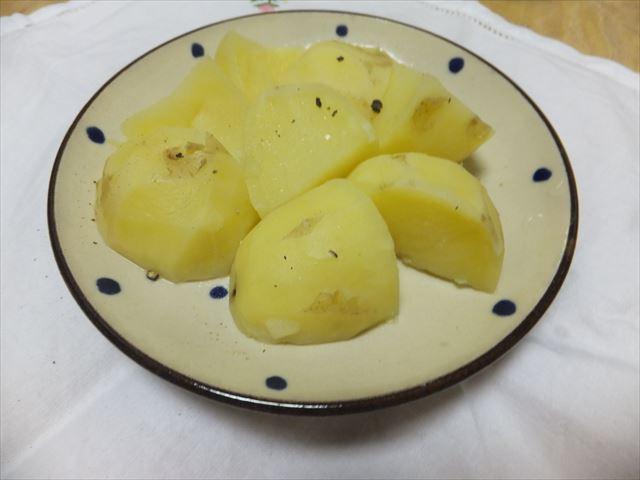 有機野菜「大地宅配」お試しセットで作った料理。ジャガイモ